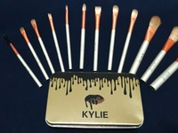 Kylie 12 Piece Makeup Brush Set. Travel Size.