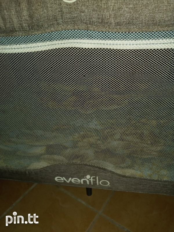 Evenflo playpen-1