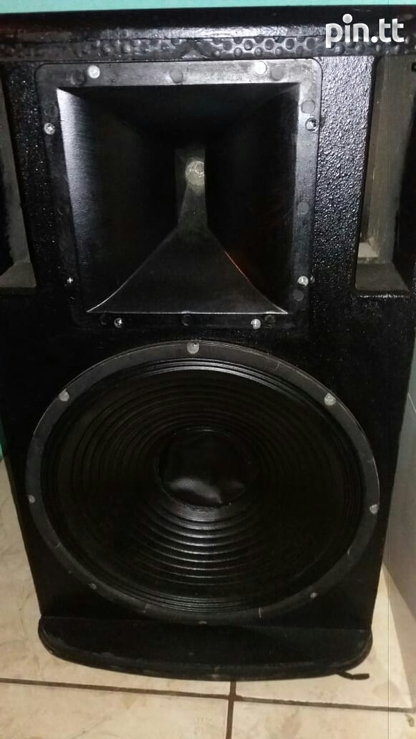 pair speakers-2