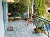 Cascade 2 bedroom apartment in gated community