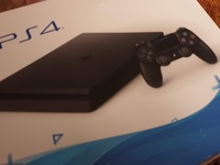 Mint PS4 Slim And Game