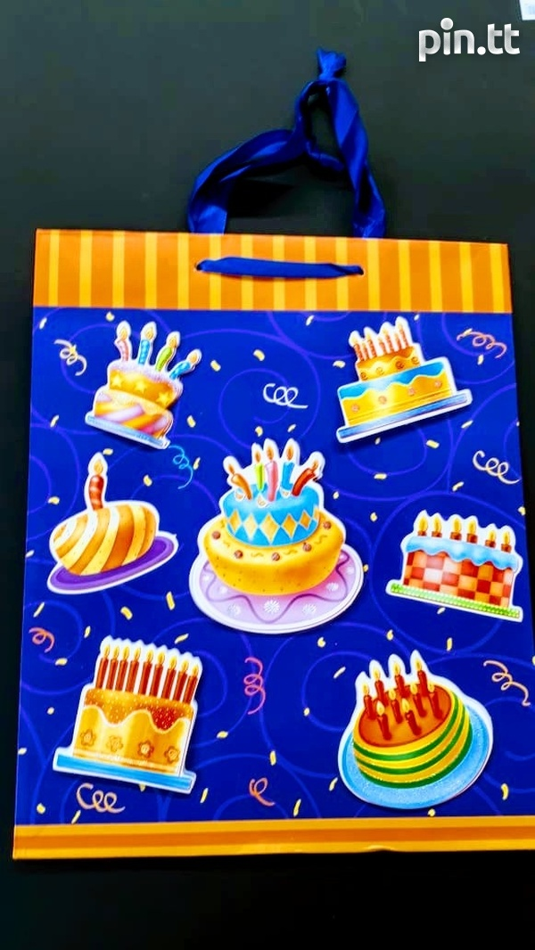 3D Birthday gift bags-4