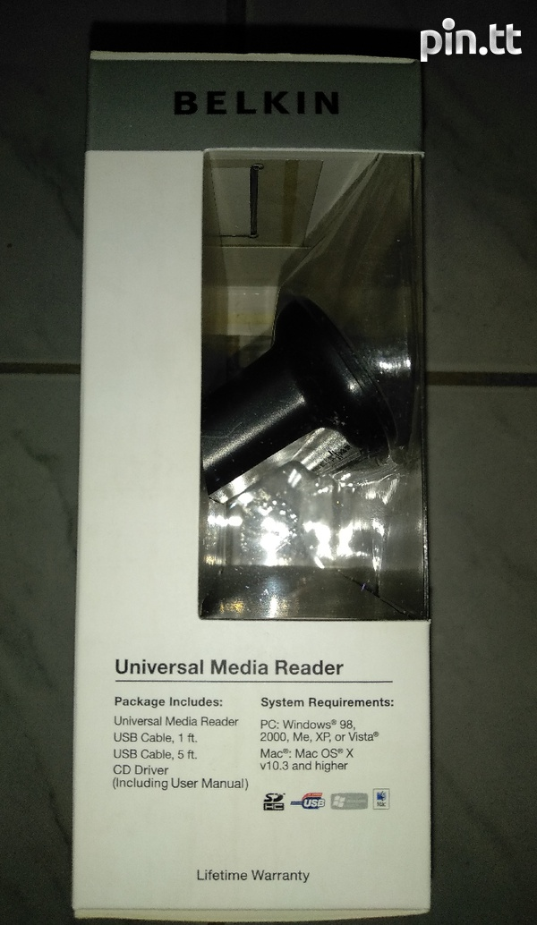 Belkin universal media reader with free phone/tablet stand-3