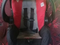 CAR SEAT/CARRIER RED AN BLACK