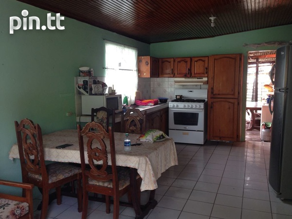 Caroni house with 3 bedrooms-6