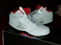 Toddler Jordan Retro 5 true white black/red