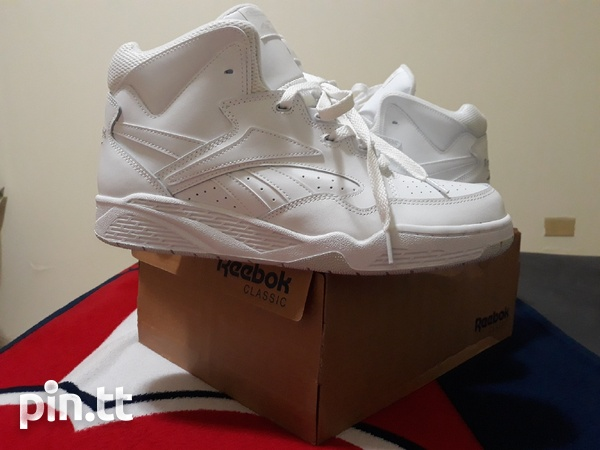 Reebok Classic Mens Size 10 and 10.5-5