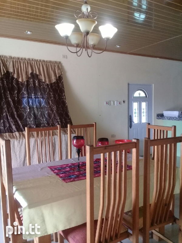Waterloo house with 3 bedrooms-6