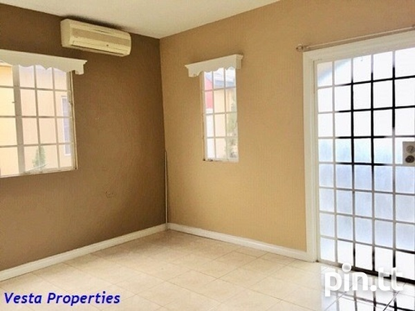 Unfurnished 2 bed townhouse-6