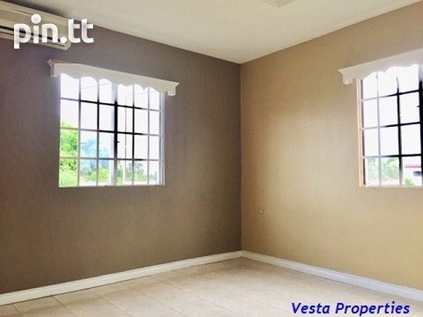 Unfurnished 2 bed townhouse-4