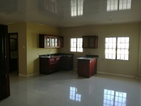 UNFURNISHED TWO BEDROOM 5 MINS AWAY FROM MONTROSE KFC UTILITIES INCLUD