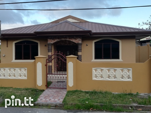 New D'Abadie home with 3 bedrooms-6