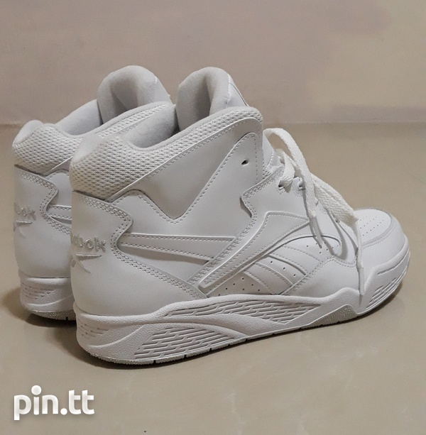 Reebok Classic Mens Size 10 and 10.5-7