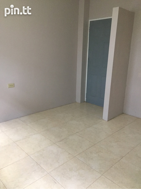 Apartment with 2 bedrooms . Semi Furnished-3