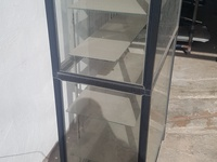 Used Glass Showcase