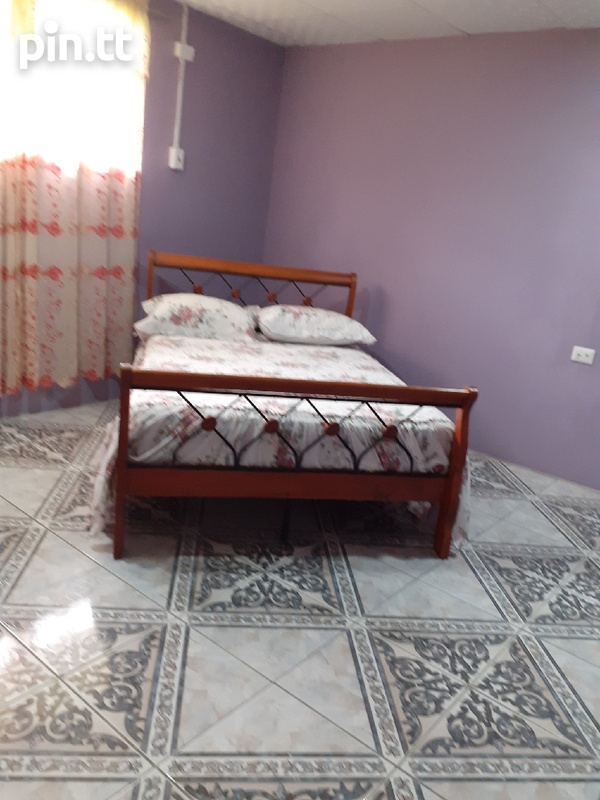 3 Bedroom Furnished House Maloney-3