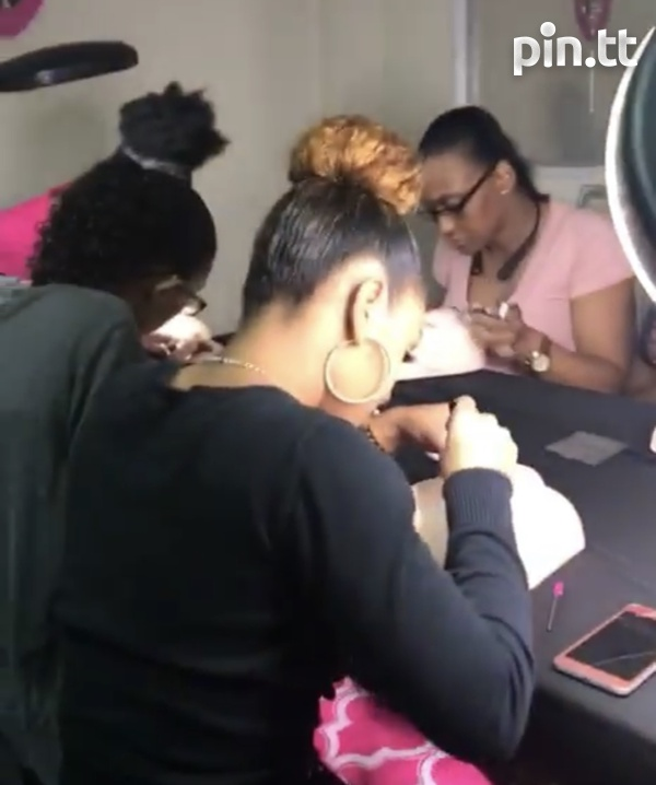 Makeup and lashes classes-1