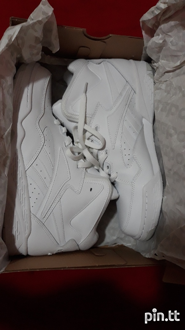 Reebok Classic Mens Size 10 or 10.5-6