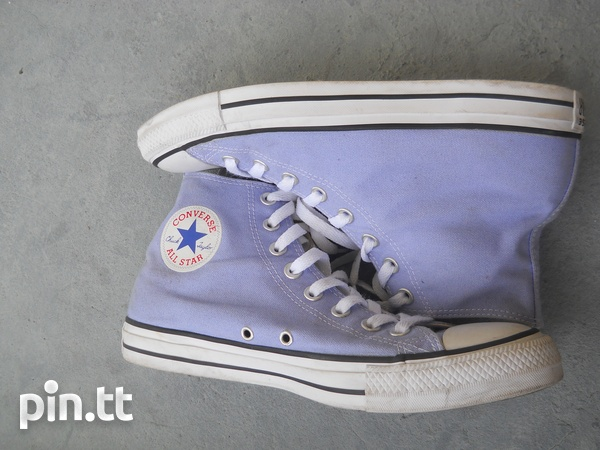 New pair of all star converse-3