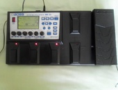 BOSS ME33 Guitar Multi Effects excellent condition with adapter
