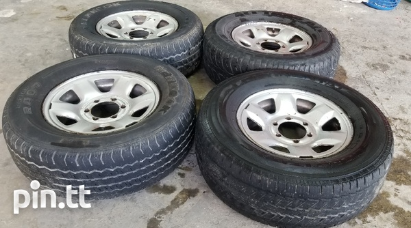 Pick up rims and tyres-2