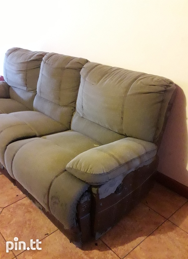 3 seater recliner Curepe-1