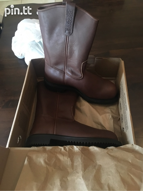 Brand new size 9 redwing safety boots-1