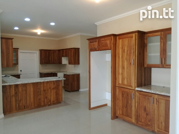 New house with 3 bedrooms-3