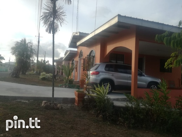 Spacious and Comfortable Family Home - Milton Park, Cleaver Rd. Arima.-2
