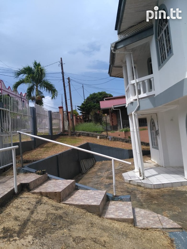Palmiste, San Fernando home with 3 bedrooms-2