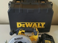 Dewalt Cordless Circular Saw Kit