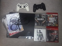 Ps3 with 4 games and controls