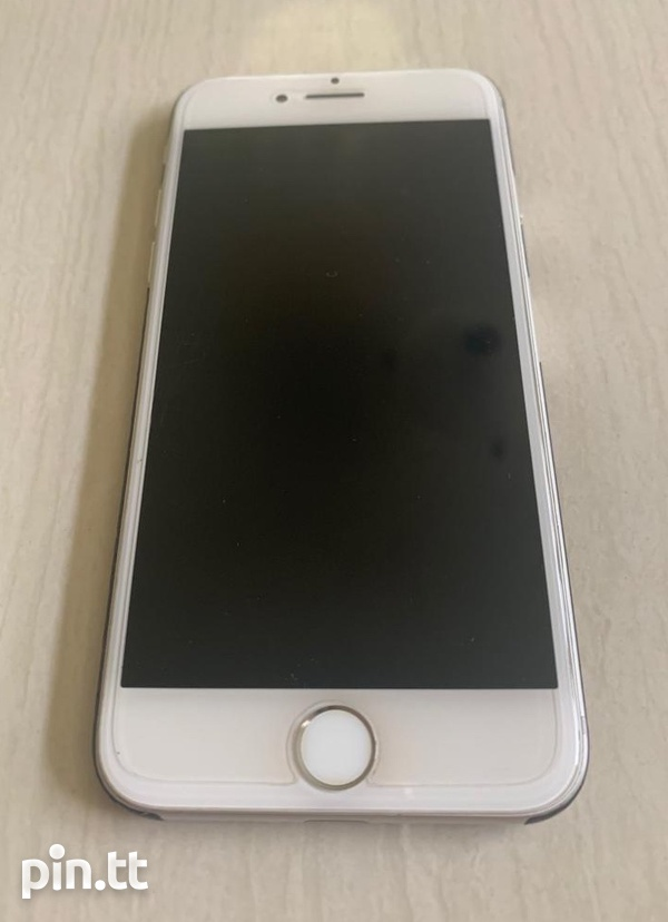 iPhone 7 128gigs-2