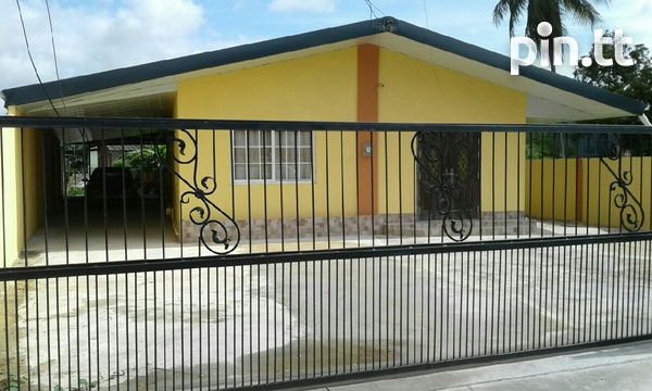 Chaguanas house with 4 bedrooms-2