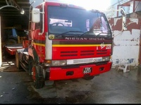 3 trucks, Nissan Tractor Units, 450 models