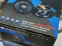 Pair Soundstream Mid-Range Speakers