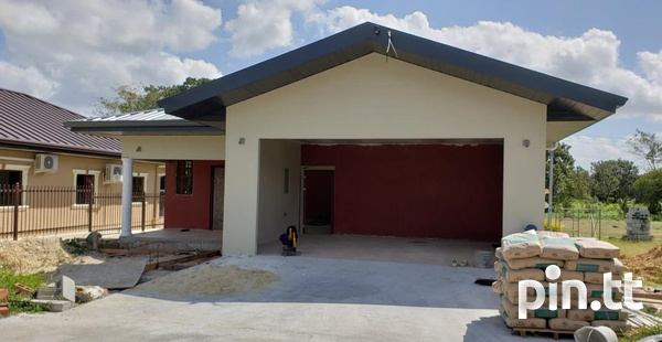 Longdeville home with 3 bedrooms-6