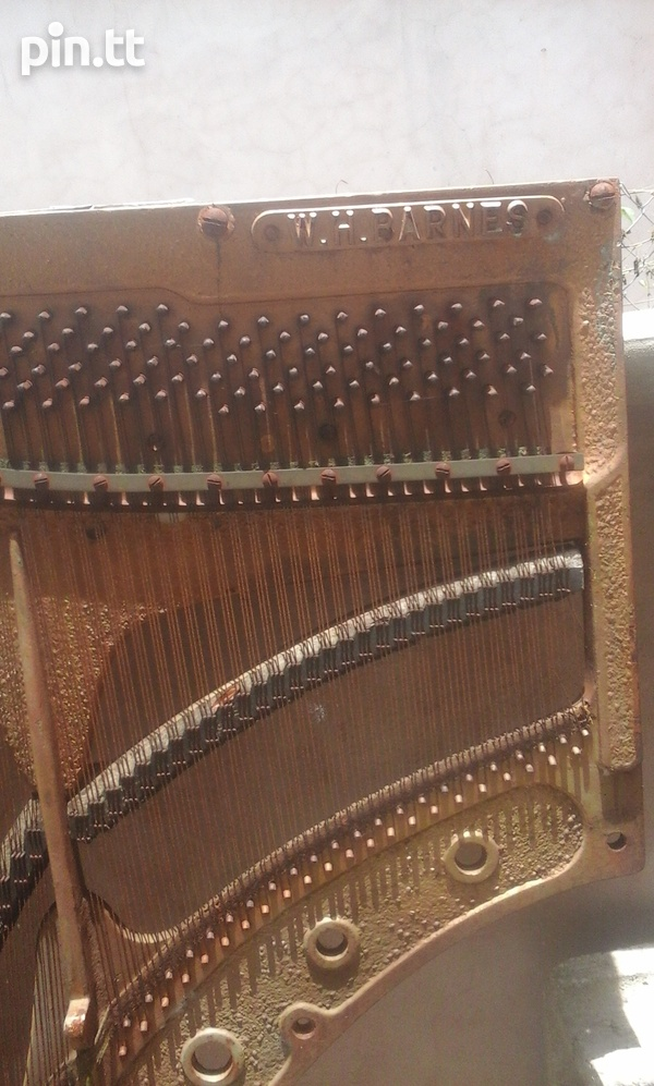 Dismantled classic piano-1