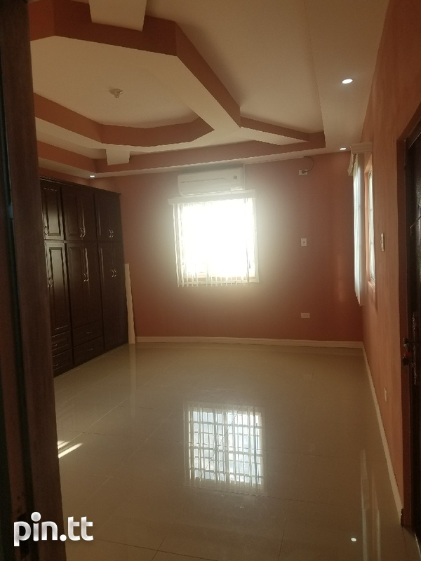New House with 4 bedrooms-8