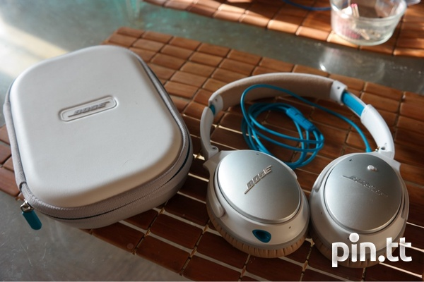 Bose QC25 wired headphones