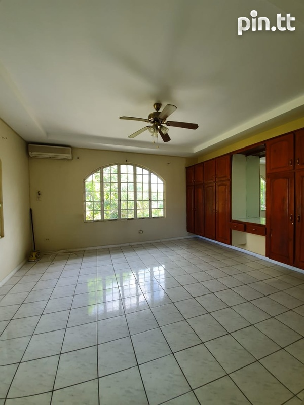 Mohan Drive apartment with 1 bedroom-1