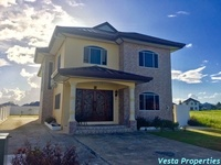 Beautiful 3 Bedroom House In Gated Community