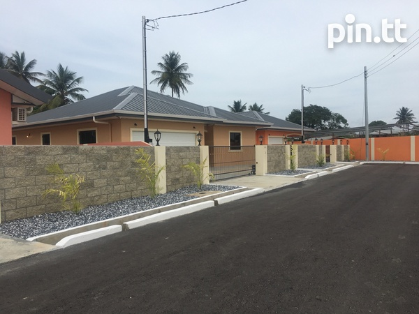 Move in Ready Central Home with 3 bedrooms-5