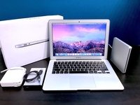 Apple Macbook Air 13inch retina display