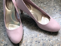 New size 10 Pink Pumps