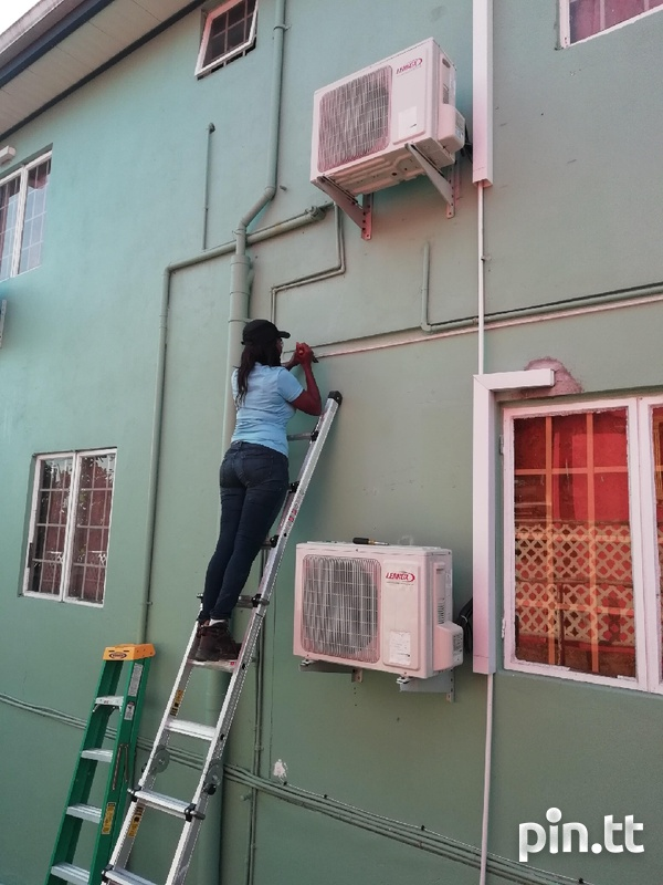 Experienced Female Electrician-7