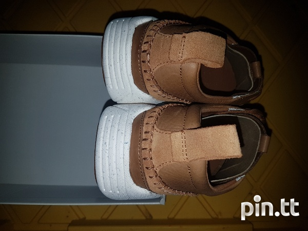 NEW Genuine leather men's Clarks shoes/trainers-7