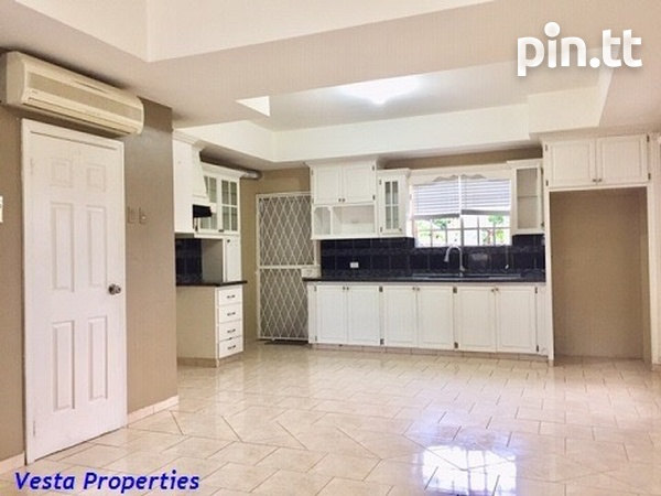 Unfurnished 2 bed townhouse-1