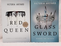 The Red Queen and the Glass Sword books