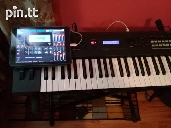 Yahmaha MX49 Keyboard and MX49 Case-1
